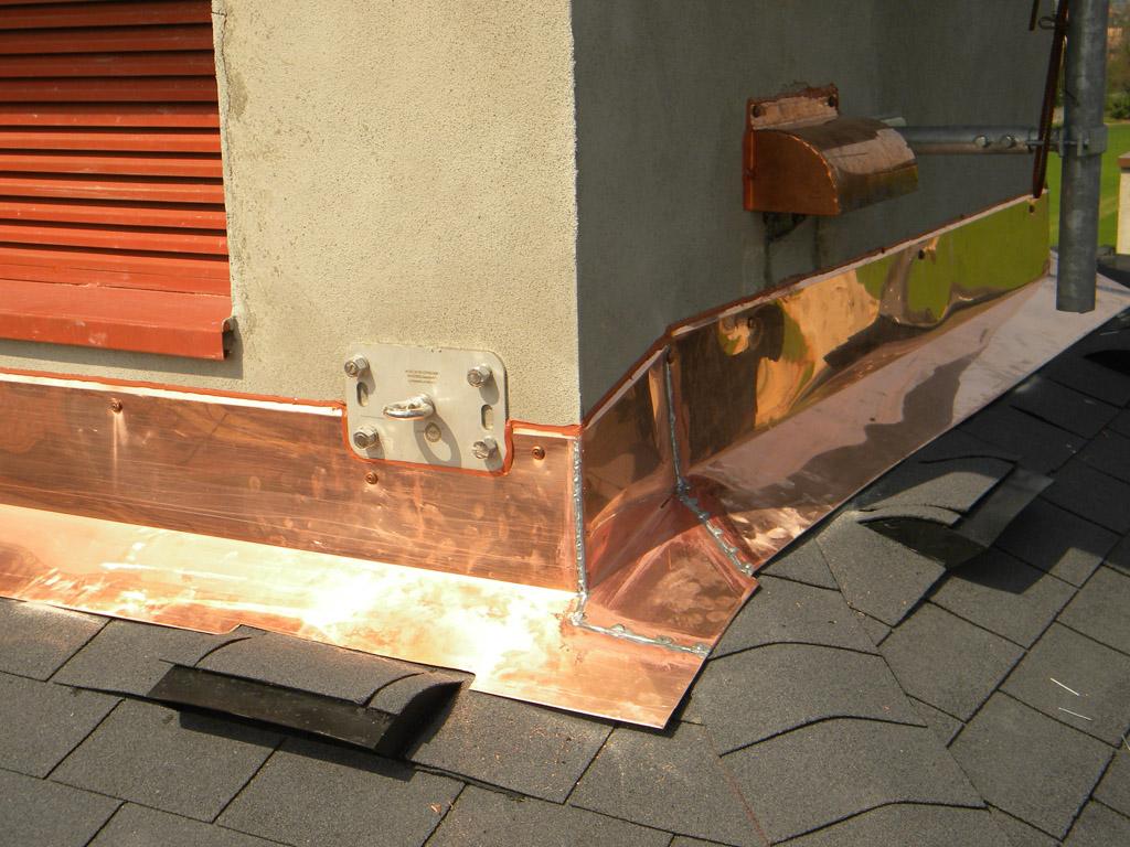 Grondaie coperture per tetti posa rifacimento for Installazione di condotte idriche in rame